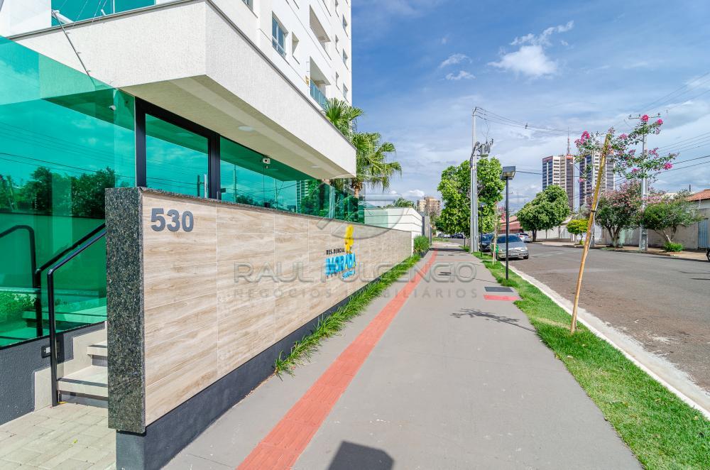 Comprar Apartamento / Padrão em Londrina R$ 300.000,00 - Foto 2