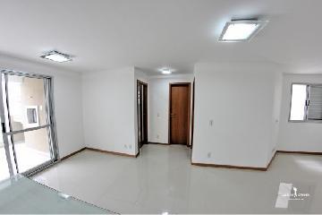 Alugar Apartamento / Padrão em Londrina. apenas R$ 1.600,00