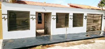 Alugar Casa / Térrea em Londrina. apenas R$ 1.400,00