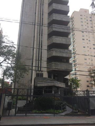 Alugar Apartamento / Padrão em Londrina. apenas R$ 720.000,00
