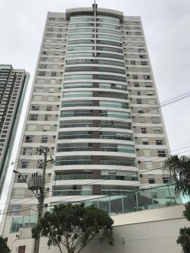 Apartamento / Padrão em Londrina , Comprar por R$995.000,00