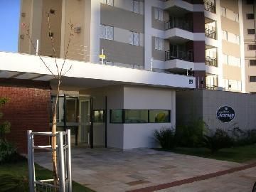 Alugar Apartamento / Padrão em Londrina. apenas R$ 1.700,00