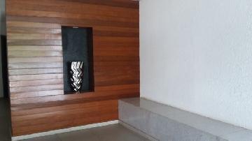 Alugar Apartamento / Padrão em Londrina. apenas R$ 780,00