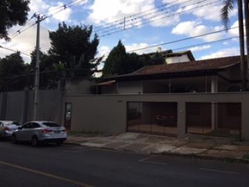 Casa / Térrea em Londrina Alugar por R$4.500,00