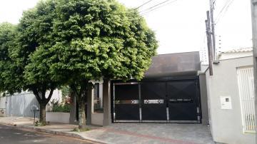 Alugar Casa / Térrea em Londrina. apenas R$ 670.000,00