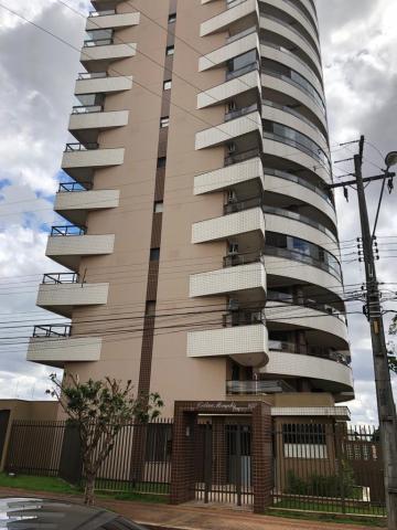 Alugar Apartamento / Padrão em Londrina. apenas R$ 750.000,00