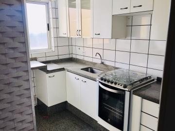Comprar Apartamento / Padrão em Londrina R$ 325.000,00 - Foto 6