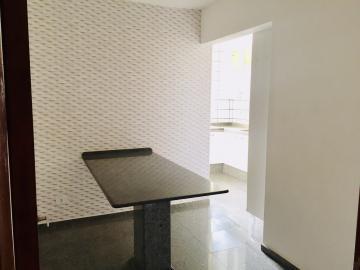 Comprar Apartamento / Padrão em Londrina R$ 325.000,00 - Foto 9