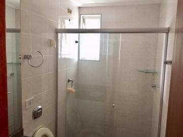 Comprar Apartamento / Padrão em Londrina R$ 325.000,00 - Foto 15