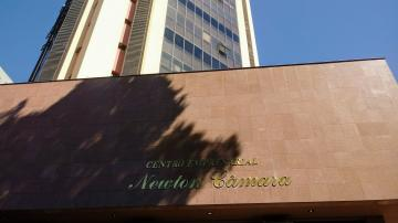 Comercial / Sala - Prédio em Londrina , Comprar por R$495.000,00