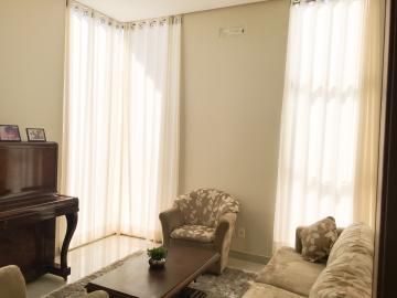 Casa / Condomínio em Londrina