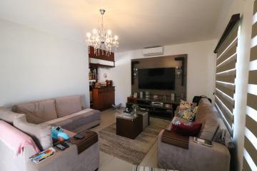 Alugar Casa / Térrea em Londrina. apenas R$ 798.000,00