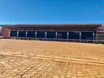 Comercial / Barracão em Ibiporã Alugar por R$100.000,00