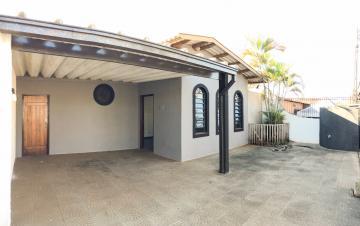 Alugar Casa / Térrea em Londrina. apenas R$ 2.500,00