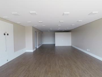 Londrina Condominio Royal Golf Residence Sala Locacao R$ 1.940,00 Condominio R$477,01  20 Vagas Area construida 77.76m2