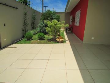 Alugar Casa / Térrea em Londrina. apenas R$ 870.000,00