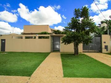 Alugar Casa / Térrea em Londrina. apenas R$ 1.450.000,00