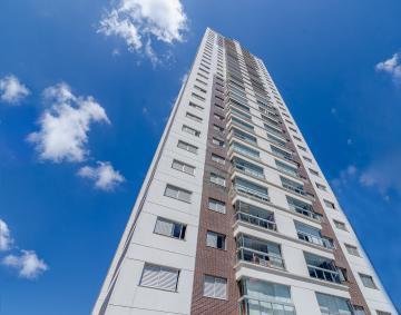 Apartamento / Padrão em Londrina Alugar por R$2.900,00