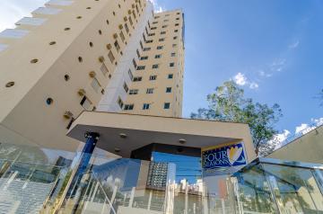 Apartamento / Padrão em Londrina Alugar por R$2.290,00
