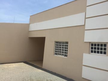 Casa / Térrea em Londrina Alugar por R$1.500,00