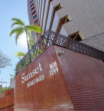Londrina Centro Apartamento Locacao R$ 1.990,00 Condominio R$1.100,00 4 Dormitorios 2 Vagas Area construida 177.00m2