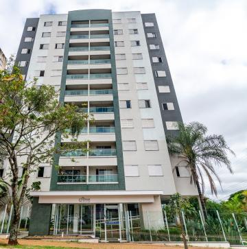 Apartamento / Padrão em Londrina Alugar por R$2.700,00