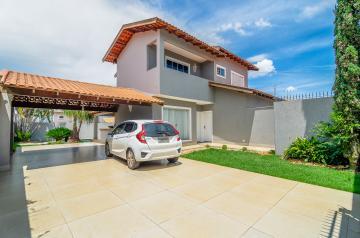 Alugar Casa / Sobrado em Londrina. apenas R$ 890.000,00