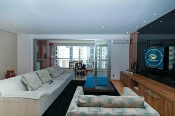 Apartamento / Padrão em Londrina , Comprar por R$710.000,00