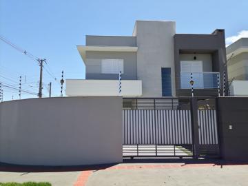 Casa / Térrea em Londrina Alugar por R$2.850,00