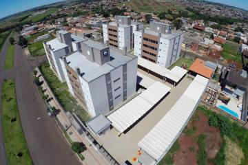Apartamento / Padrão em Londrina Alugar por R$950,00