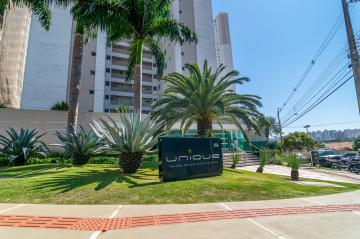 Apartamento / Padrão em Londrina Alugar por R$6.400,00