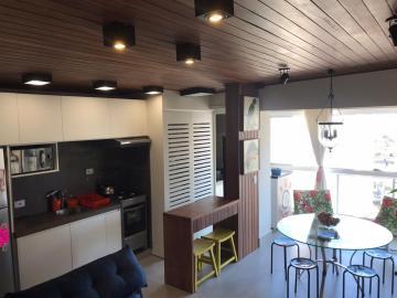 Apartamento / Padrão em Londrina