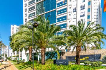 Apartamento / Padrão em Londrina , Comprar por R$2.200.000,00