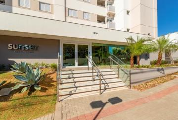 Alugar Apartamento / Padrão em Londrina. apenas R$ 1.350,00