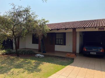 Alugar Casa / Térrea em Londrina. apenas R$ 1.580.000,00