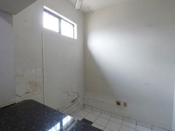 Alugar Comercial / Barracão em Londrina R$ 12.000,00 - Foto 8