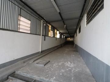 Alugar Comercial / Barracão em Londrina R$ 12.000,00 - Foto 17