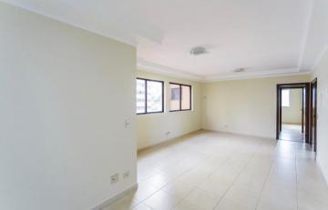 Apartamento / Padrão em Londrina Alugar por R$1.300,00