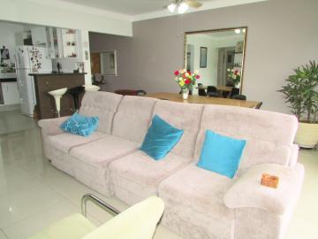 Comprar Apartamento / Padrão em Londrina R$ 400.000,00 - Foto 4