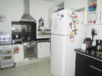 Comprar Apartamento / Padrão em Londrina R$ 400.000,00 - Foto 9