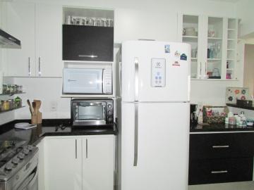 Comprar Apartamento / Padrão em Londrina R$ 400.000,00 - Foto 11