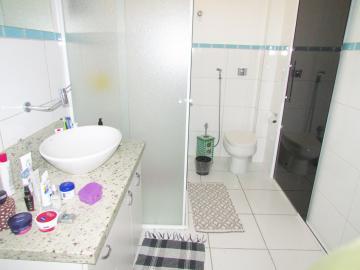 Comprar Apartamento / Padrão em Londrina R$ 400.000,00 - Foto 14
