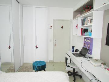 Comprar Apartamento / Padrão em Londrina R$ 400.000,00 - Foto 16