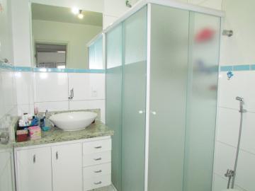 Comprar Apartamento / Padrão em Londrina R$ 400.000,00 - Foto 19