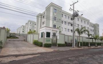 Apartamento / Padrão em Londrina Alugar por R$650,00