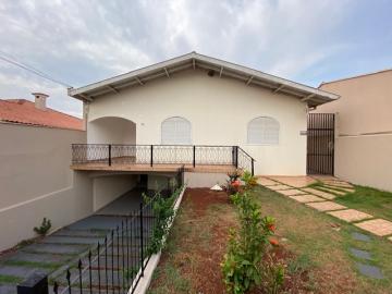 Alugar Casa / Térrea em Londrina. apenas R$ 3.500,00