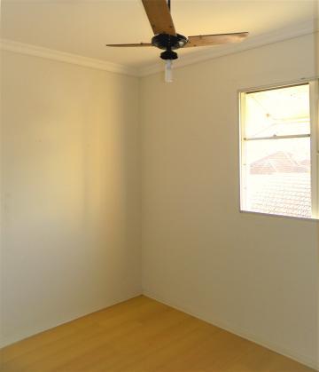 Alugar Apartamento / Padrão em Londrina R$ 900,00 - Foto 9