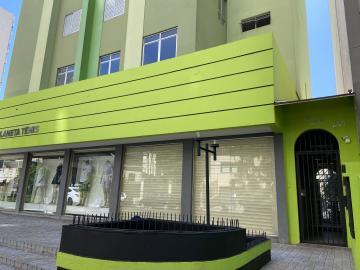 Apartamento / Padrão em Londrina Alugar por R$620,00