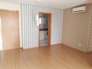 Alugar Apartamento / Padrão em Londrina. apenas R$ 2.200,00
