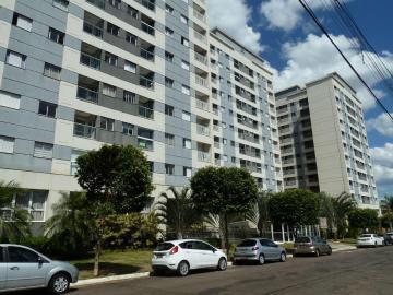 Alugar Apartamento / Padrão em Londrina. apenas R$ 425.000,00